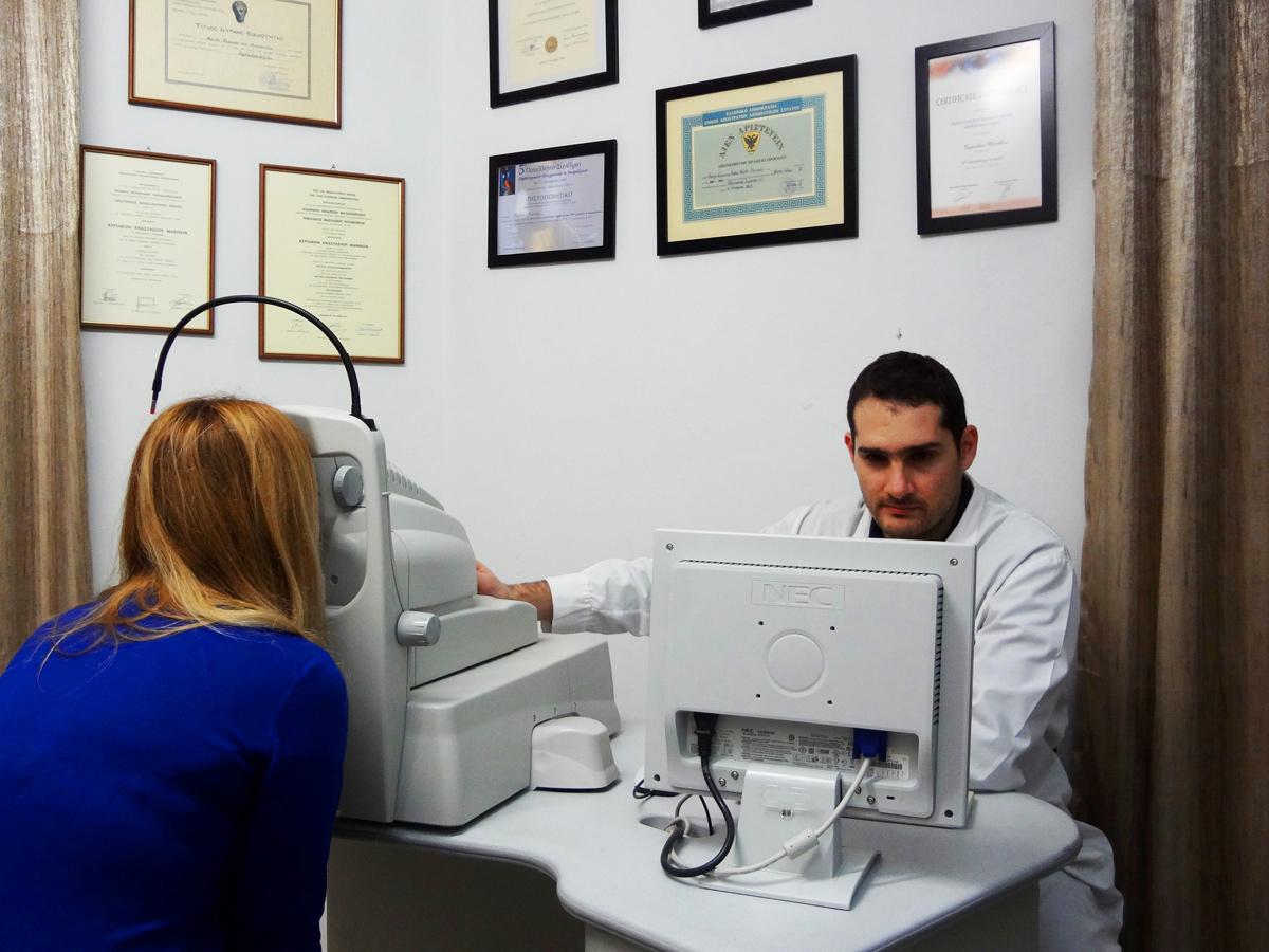 Οφθαλμίατρος Μάνθος